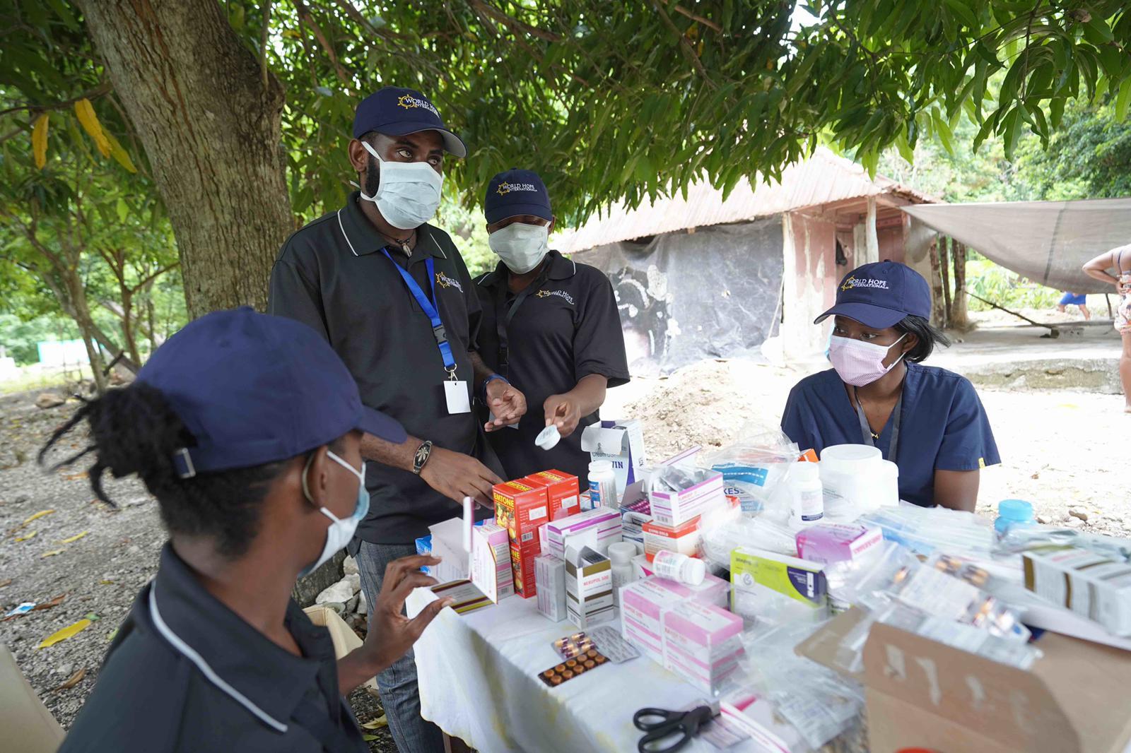 LAG medical team